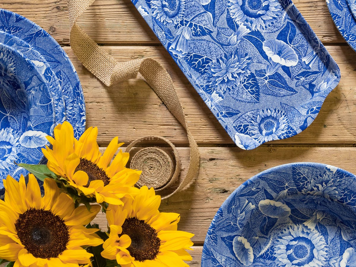 Spode Sunflower - The Blue Room Collection