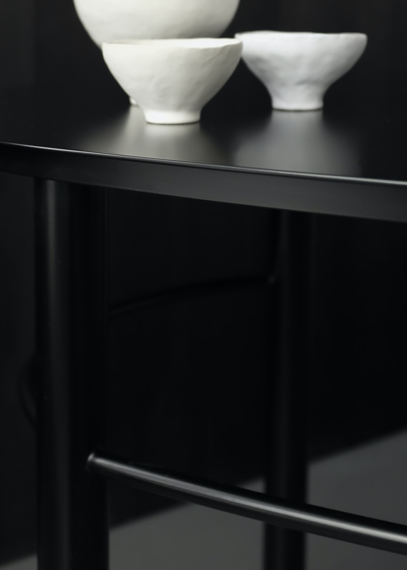 Metal Desk - Wandle Desk - Desk detail