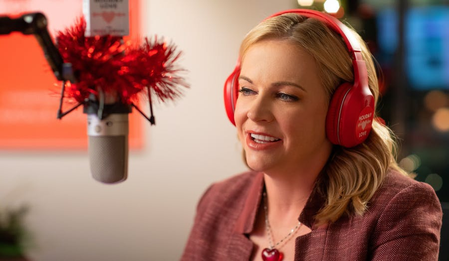 Melissa Joan Hart stars in Dear Christmas on Lifetime