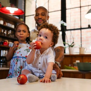 kids in kitchen with fruit