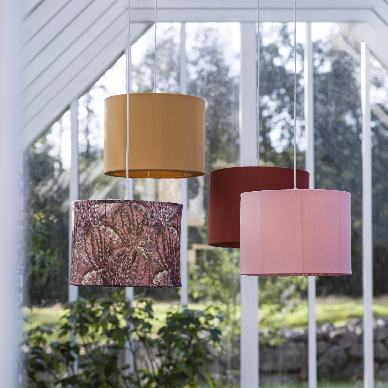 Färgglada taklampor från PR Home