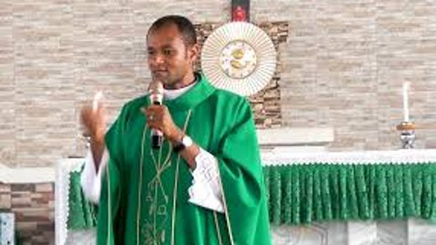 Catholic priest, Fr Oluoma makes shocking prayer for Nigeria
