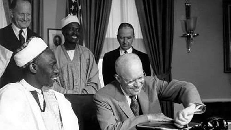 Nigeria prime minister Tafawa Balewa with other dignitaries in the signing ceremony during independence.