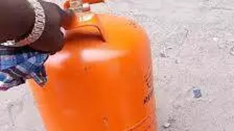 Avoid shaking of gas cylinder as it can cause explosion