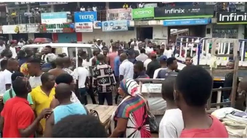 Nigerian traders in Ghana decry closure of shops by Ghana security officials backed by the Ministry of Trade