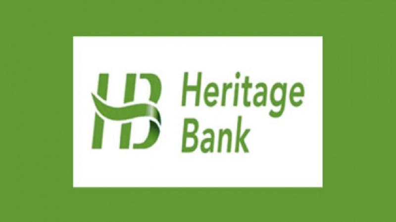 Heritage Banks gifts awards in celebration of the Nigerian Independence day