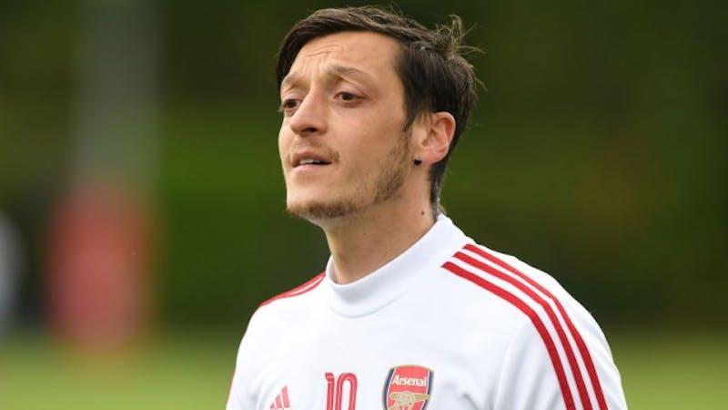 Arsenal might consider to recall Mesut Ozil to help the club this season