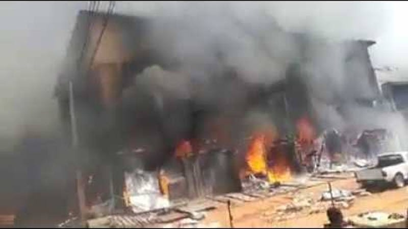 An illustration of the fire that razed down Oba of Isheri-Olofin in Idimu, Wahab Balogun on Sunday.