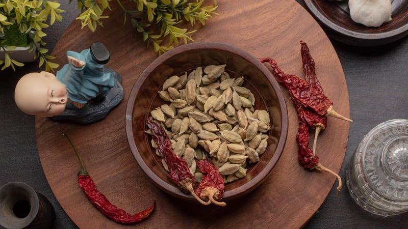 Cardamom might not be as popular as ginger and garlic however studies have shown that it has the potentials to reduce body fat