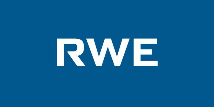 Unternehmenslogo des CMBlu Energy Partners RWE, weiße Schrift auf blauem Grund.