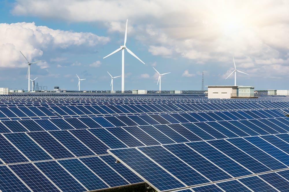 Solarpanelfarmasagreenenergysolution.