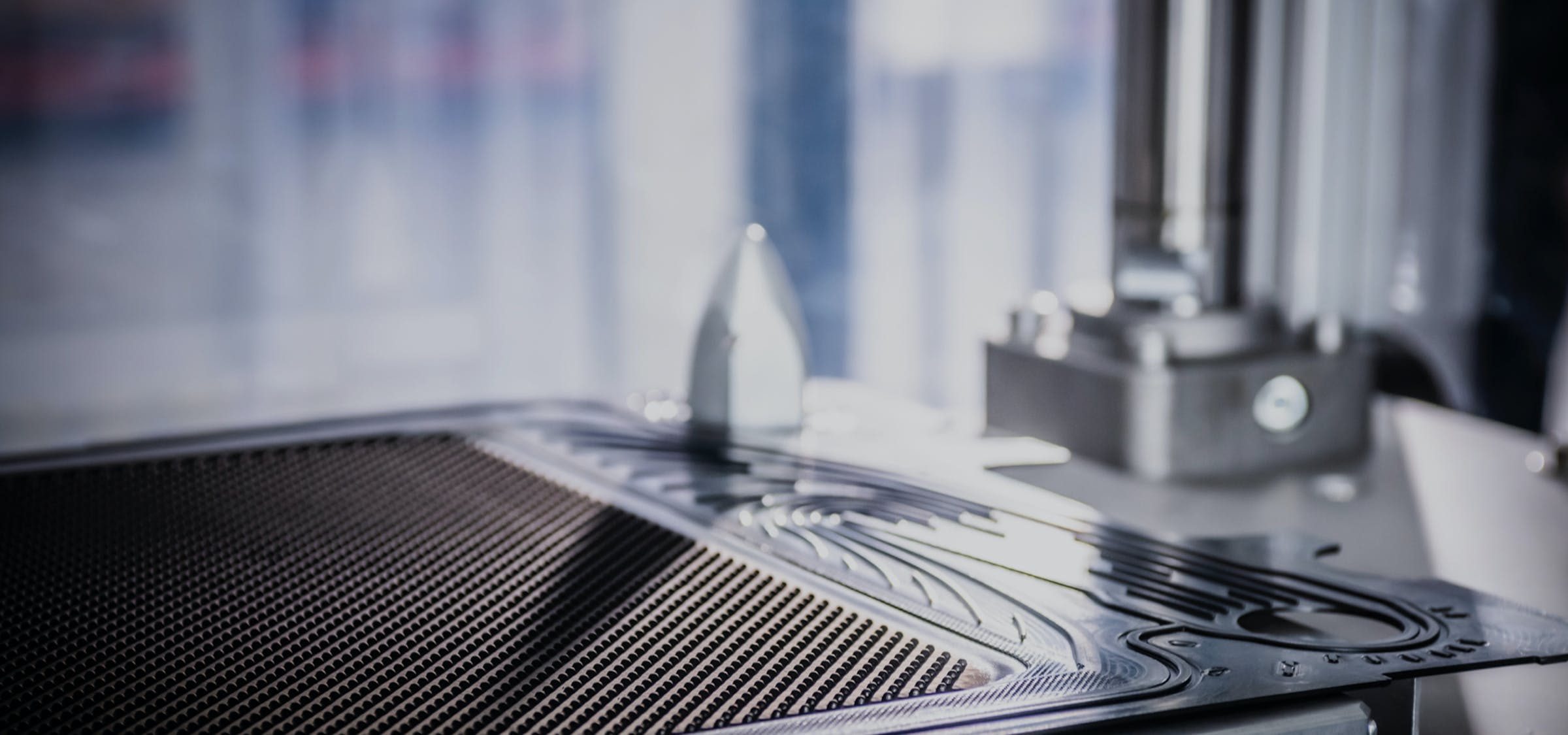 Ein Blick in die Produktion beim Hersteller von Hightech-Batterietechnologie CMBlu.