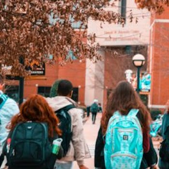 9c6d9e3c 4008 4ab3 a40f 4235398feae7 backpacks college college students 1454360 360x256