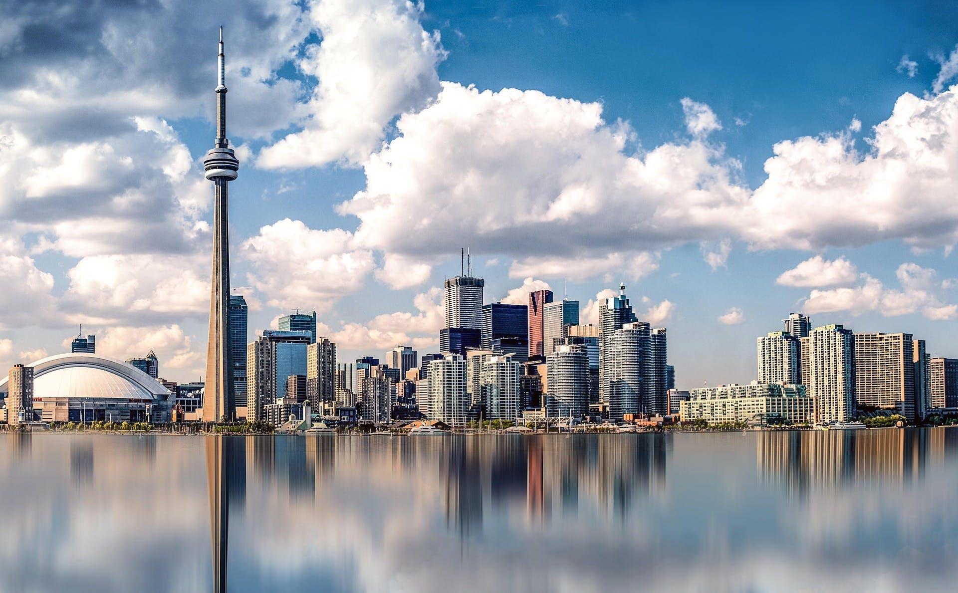 Toronto skyline from Lake Ontario, photo by Pixabay