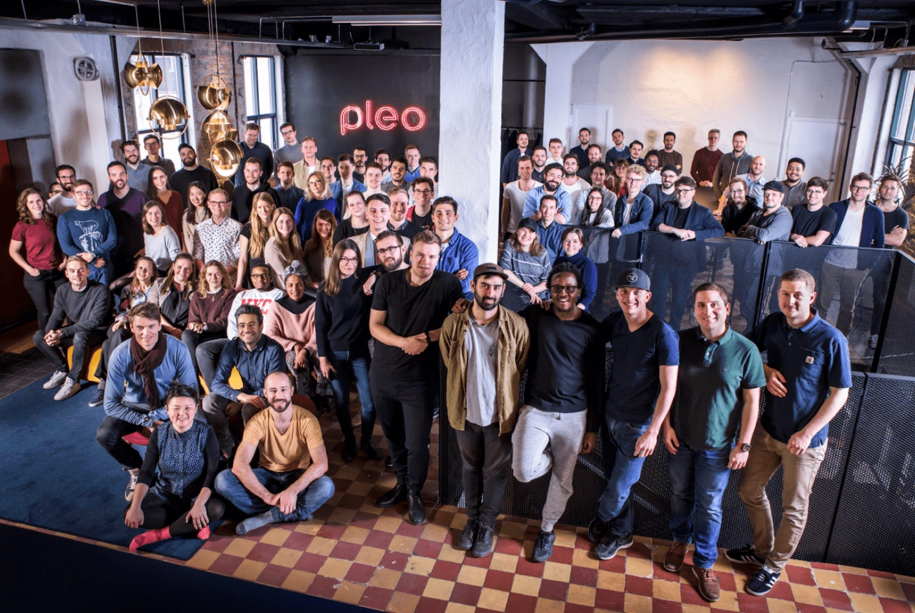 Stor grupp Pleo-medarbetare