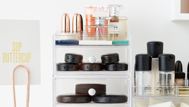 Makeup Organizers Perfect for Your Dorm