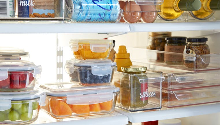 5 Tips to Organize your Fridge & Cabinets