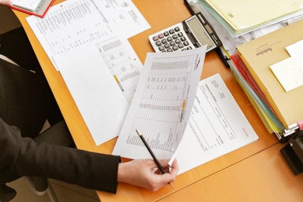 Balancing expense report