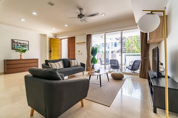 a fully equipped home, comes with sofa set, coffee table, lamp, cabinet and smart TV
