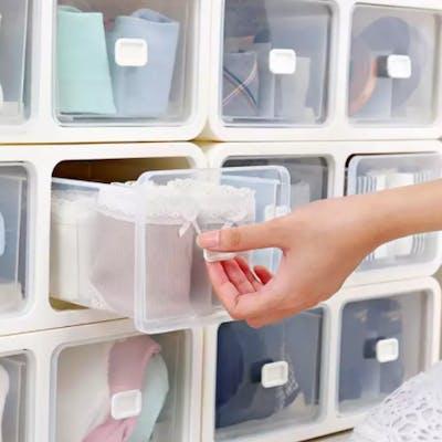 drawer organiser to keep tiny clothings