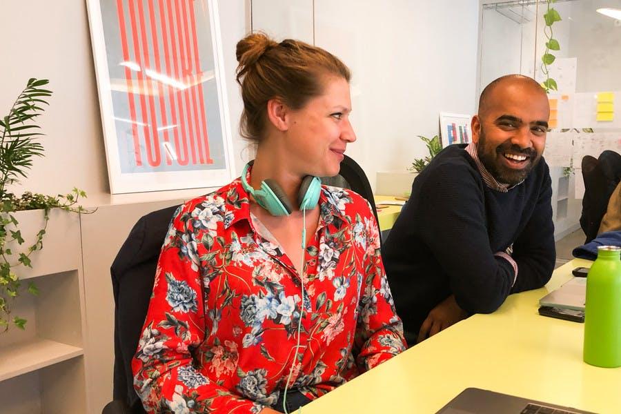 Ficamos sempre felizes por ter membros que regressam ao Cowork Central todos os anos - estes dois coworkers do Reino Unido e da Alemanha