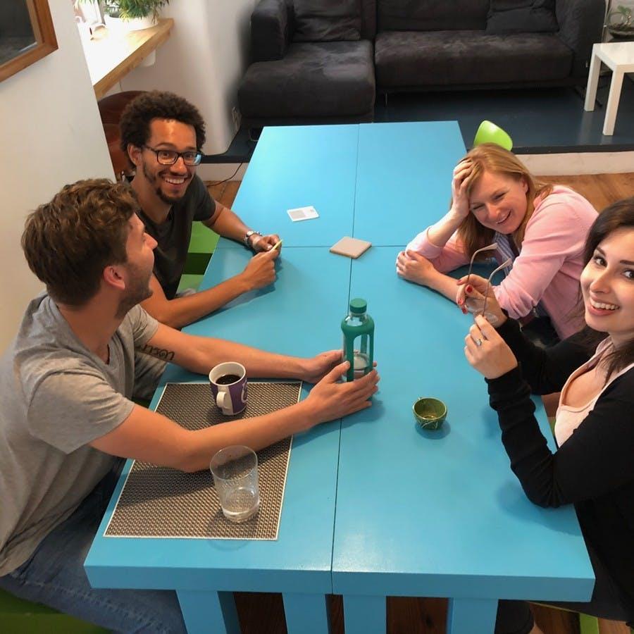 Adoramos a nossa família - partilhar ideas e planear coisas fixes para o fim de semana é o que nos move no Cowork Central.
