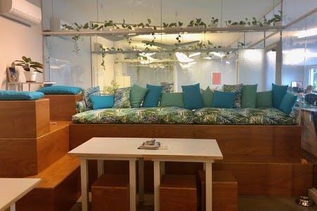 Temos uma cozinha muito agradável e perfeita para apresentações, meetups e mostras de filmes