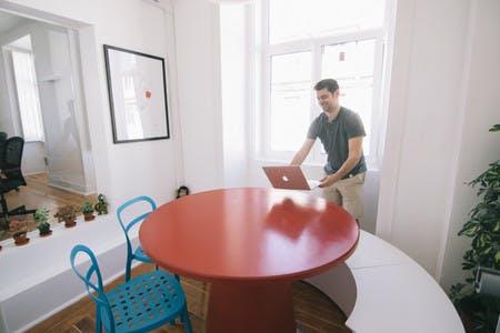 As nossas salas de reuniões podem ser alugadas por clientes exteriores assim como a membros regulares