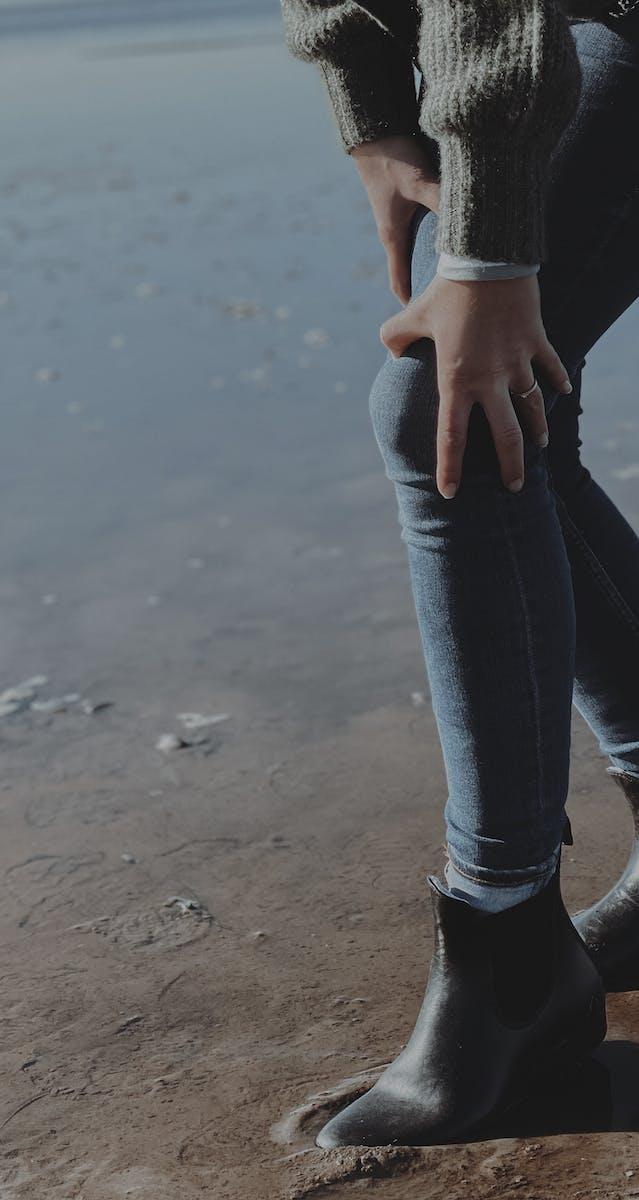 Knieschmerzen Knie halten