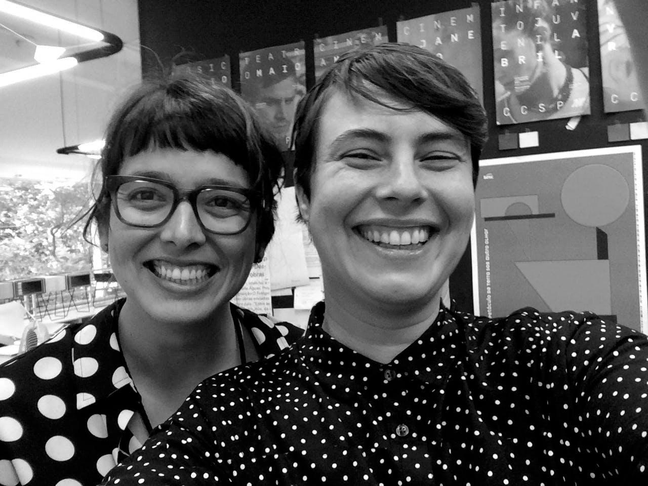 Julia Masagão (esquerda) e Elisa von Randow (direita).
