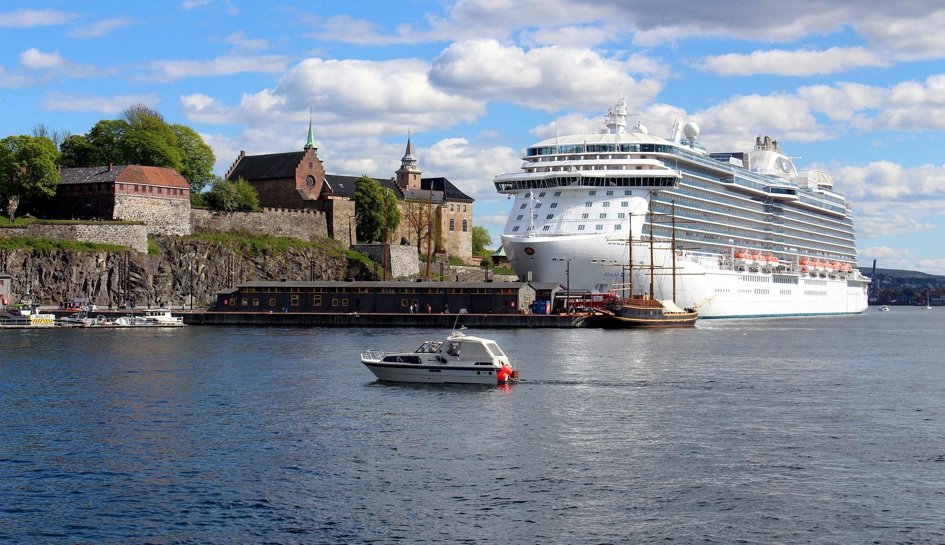 Cruiseskip ved Søndre Akershus kai © Alexandra von Gutthenbach-Lindau, Pixabay