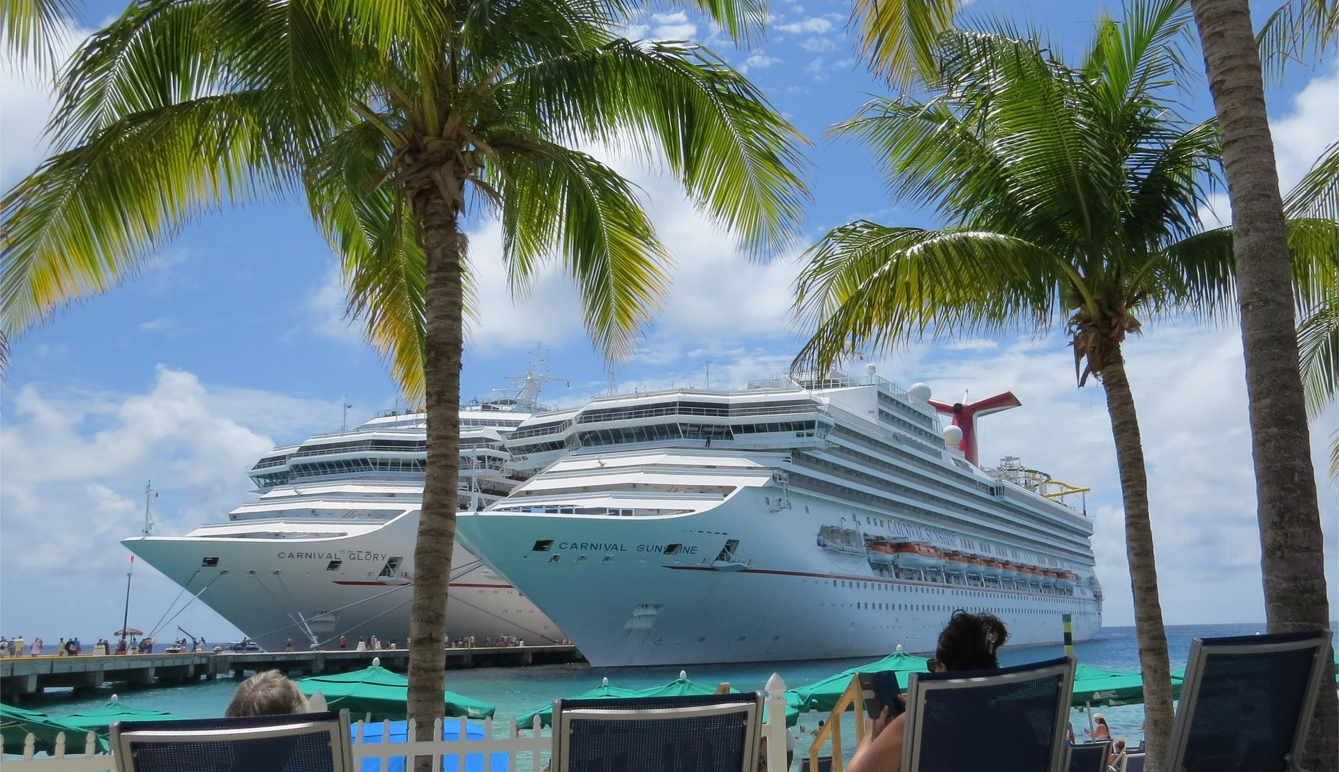 Cruiseskip i Nassau havn © DocLawson, Pixabay