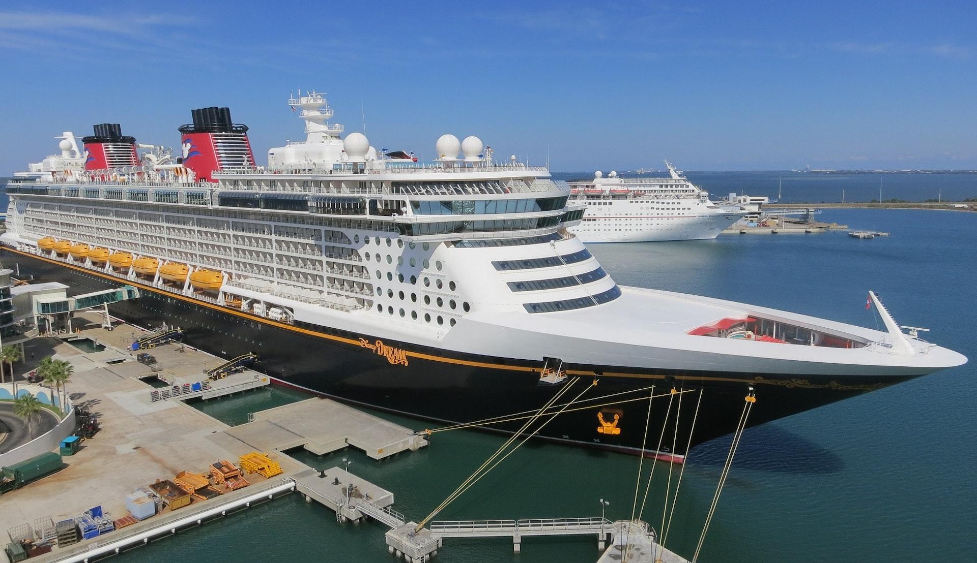 Disney Dream til kai i Port Canaveral © James Hills, Pixabay