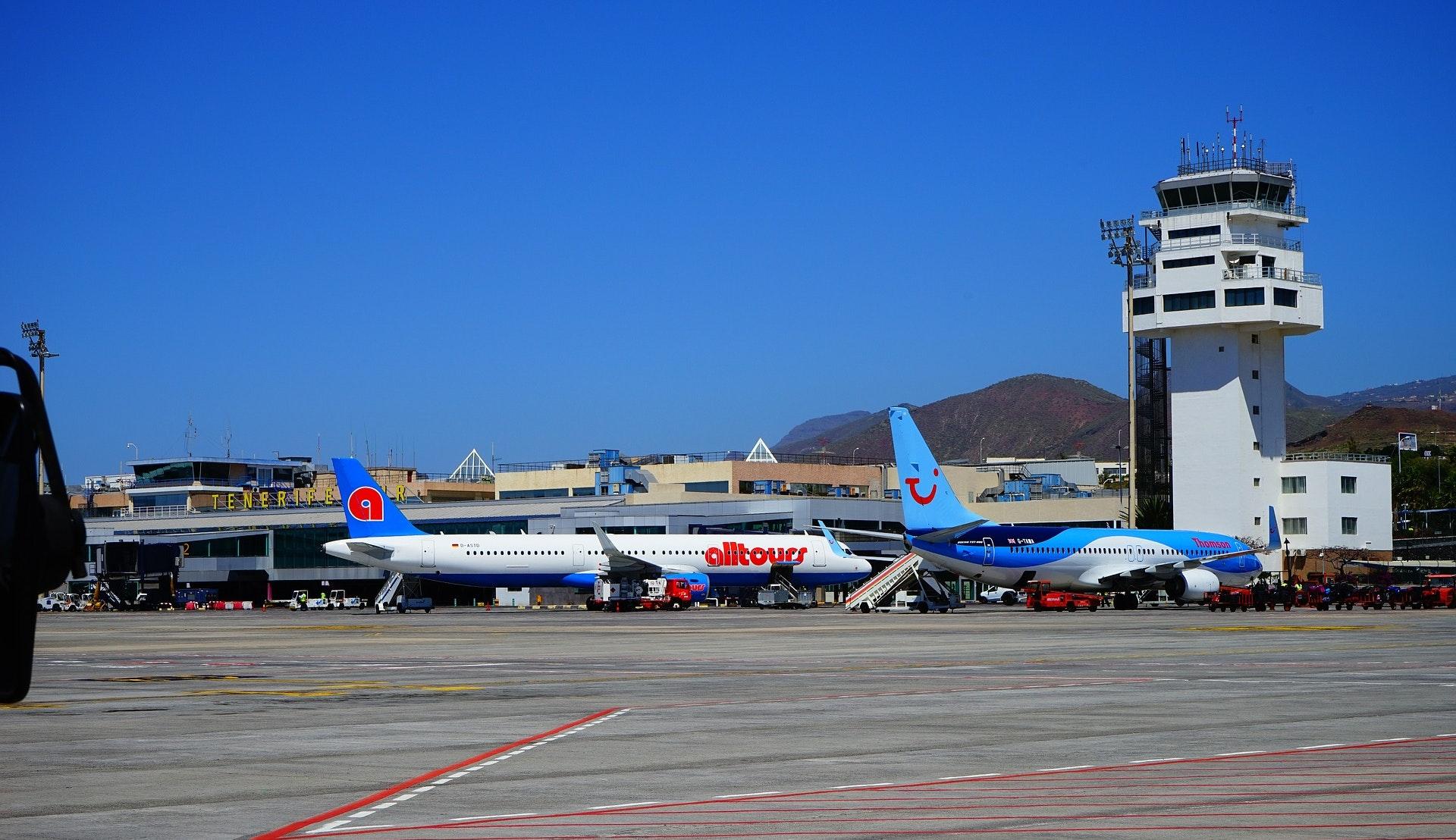 Tenerife lufthavn © Hans Braxmeier, Pixabay