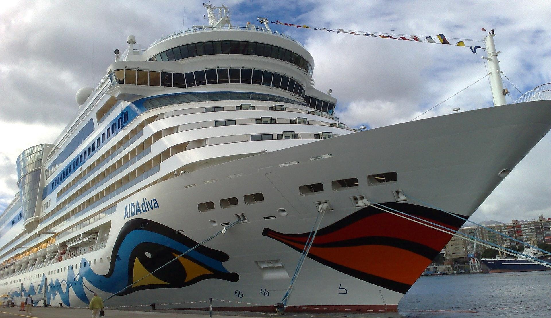 Cruiseskip i havnen i Santa Cruz © unserekleinemaus, Pixabay