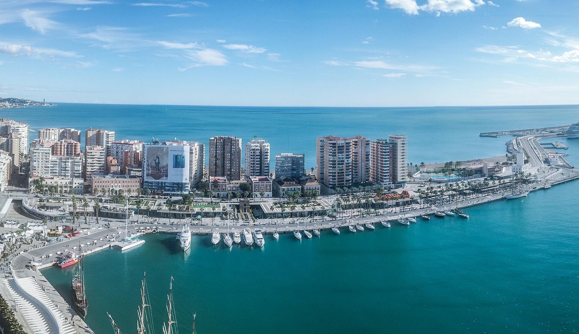 Havnen i Malaga © Manolo Franco, PIxabay