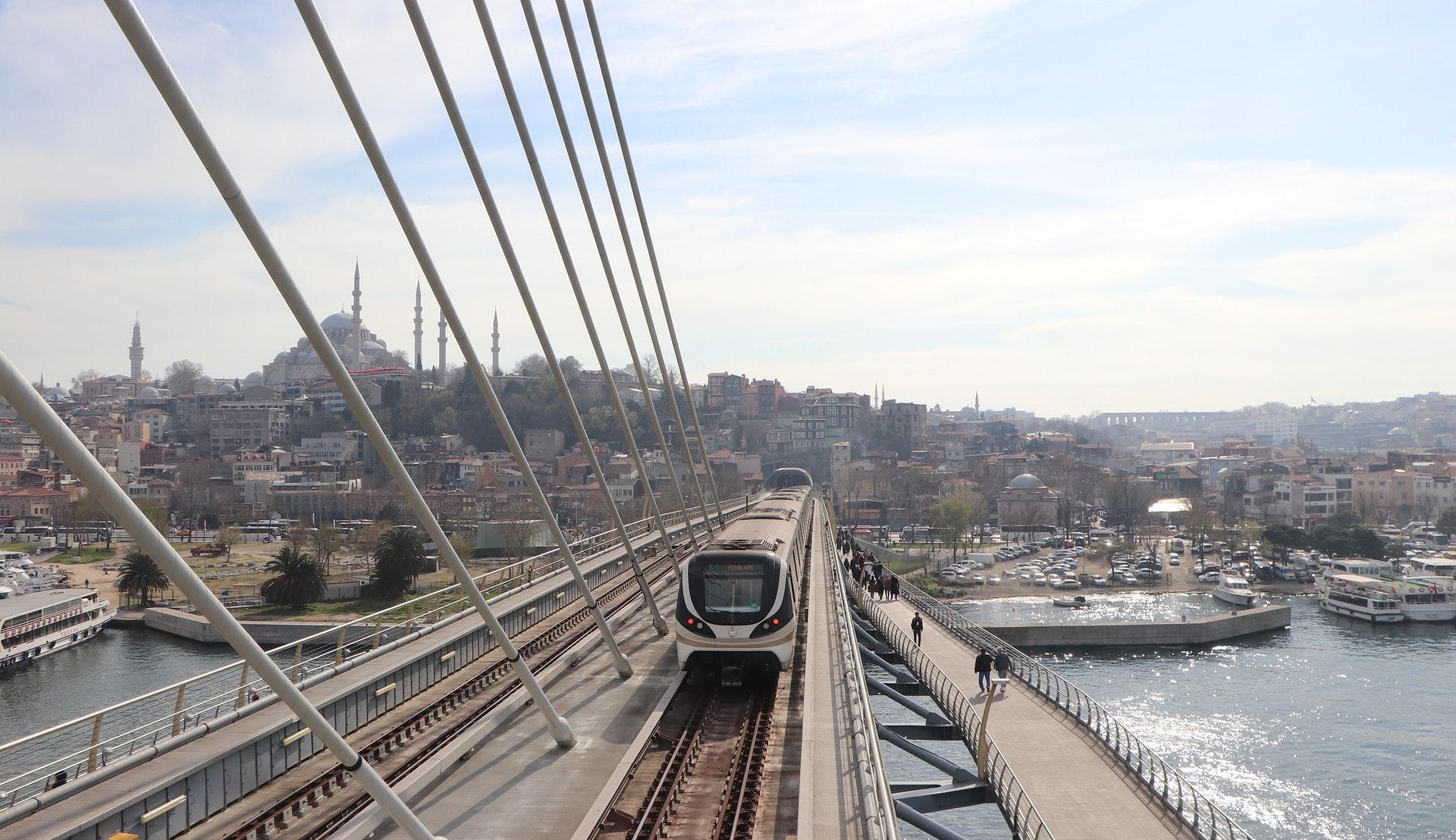 Forstadsbane i Istanbul © Şinasi Müldür, Pixabay