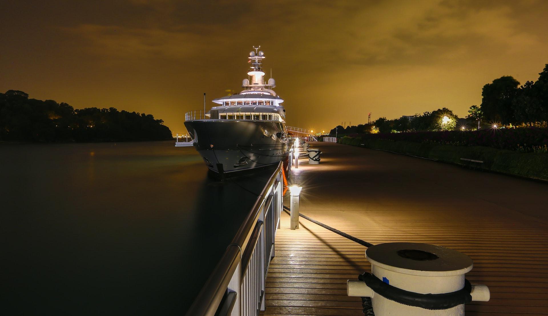 Cruisebåt i Singapore © Gunnar Haug, Getty Images