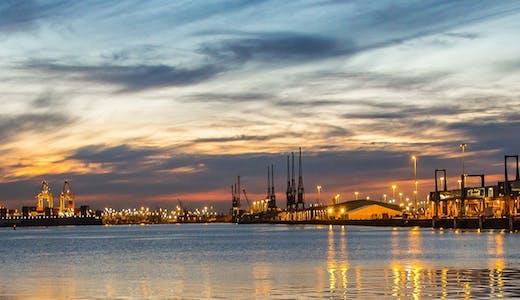 Southampton i kveldslys