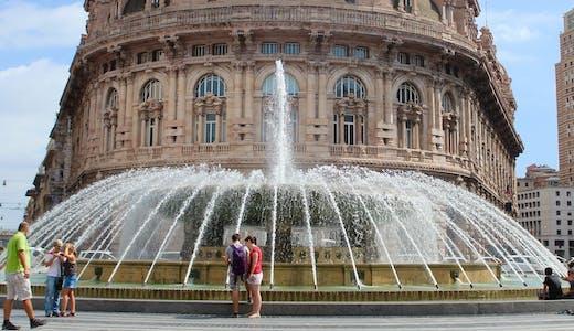 Palazzo del Borsa på Piazza de Ferrari, Genova © Kreactiva, Pixabay