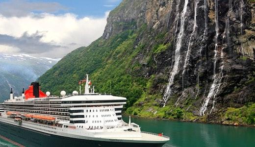 Majestetiske Queen Mary 2 (Cunard) i norske fjorder. @Cunard