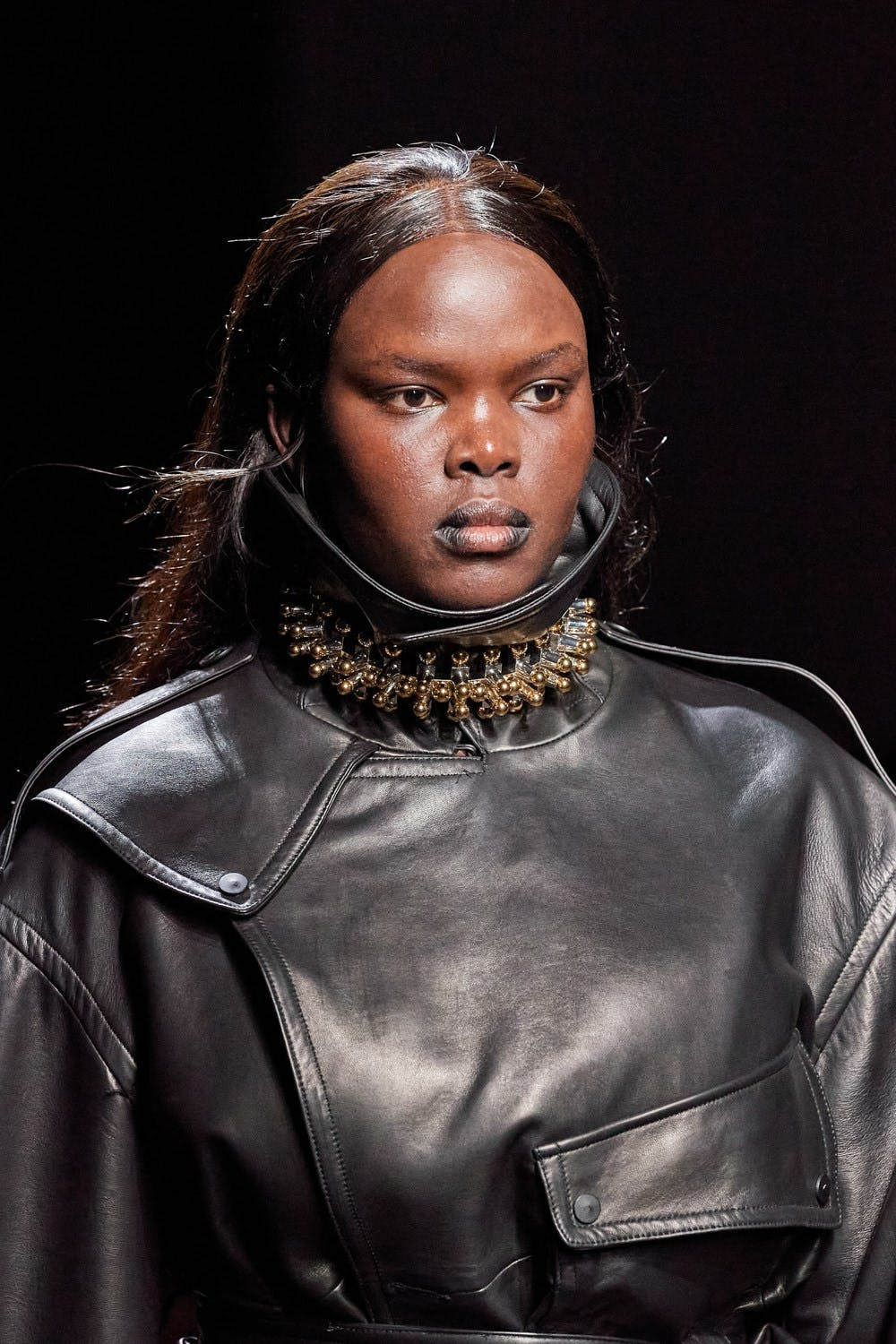 Mugler Runway Details Oversized Belted Jacket in Black Leather Chunky Choker in Gold Fall 20 RTW
