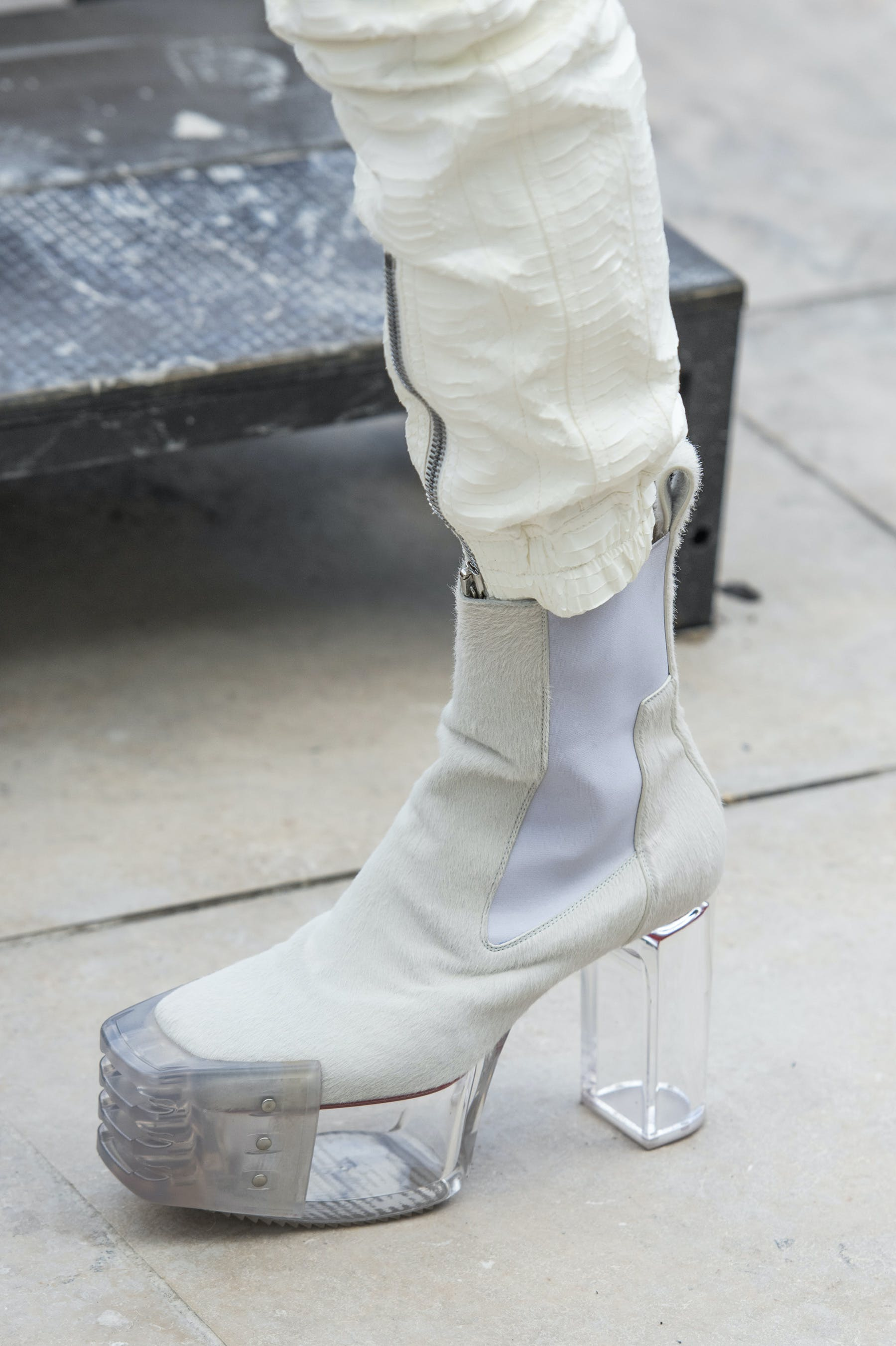 Rick Owens Runway Details Elastic Kiss Grill Boots In White With Transparent Heel Mens SS20 Tecautl