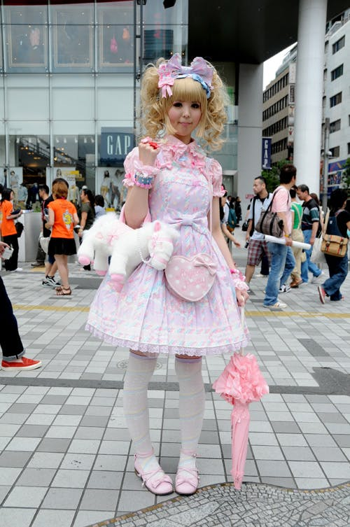 JAPAN: THE PLACE WHERE LOLITA FASHION IS MOST ACCEPTED BY MAINSTREAM SOCIETY