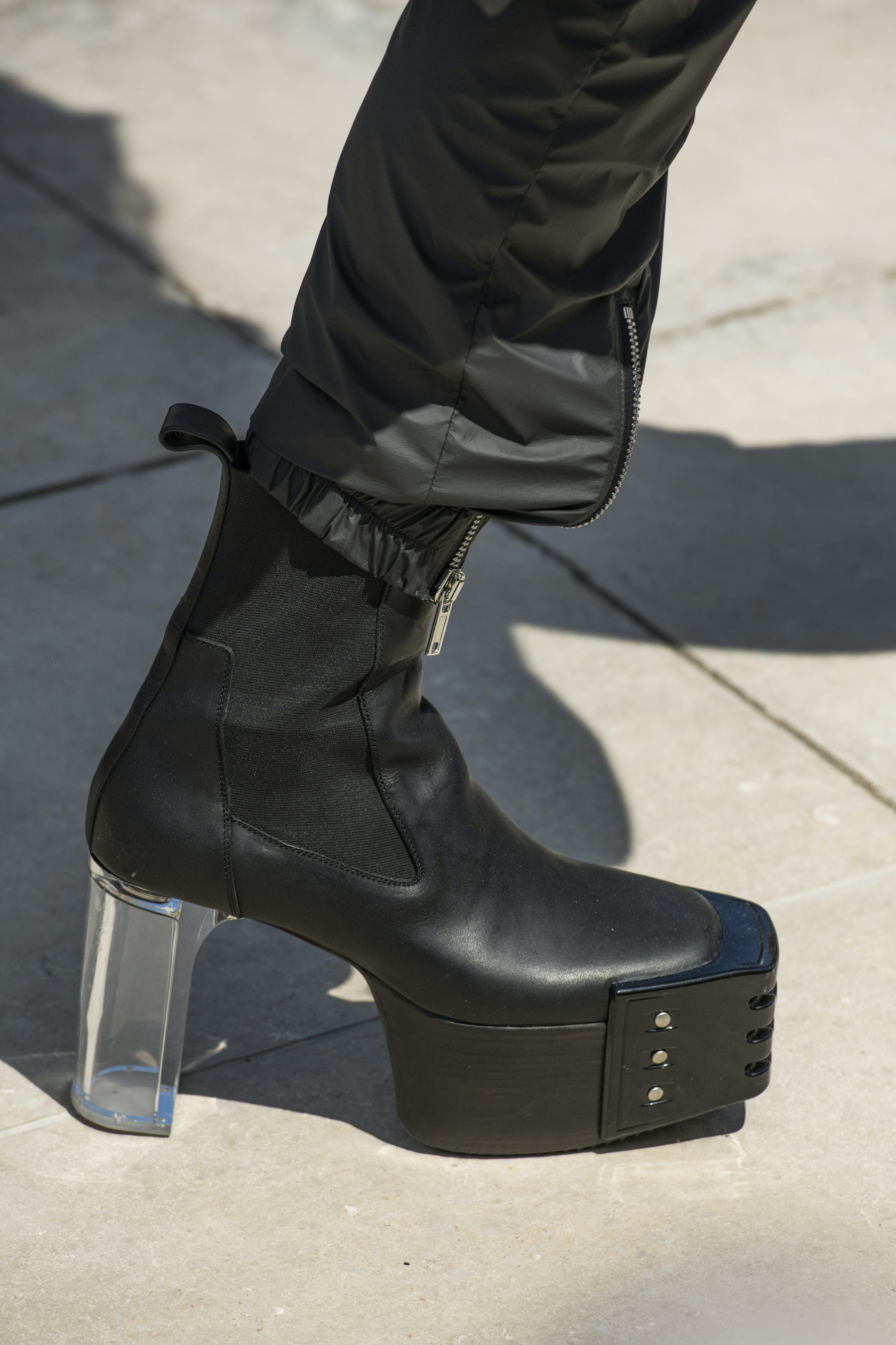 Rick Owens Runway Details Elastic Kiss Grill Boots In Black Leather With Transparent Heel Mens SS20 Tecautl
