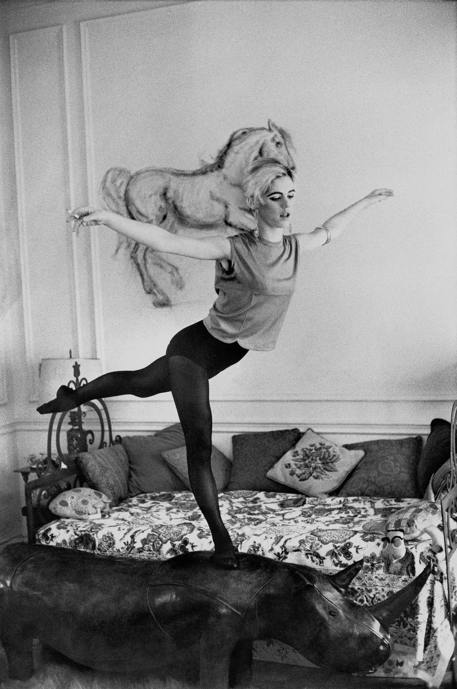 EDIE SEDGWICK'S MOST ICONIC OUTFITS
