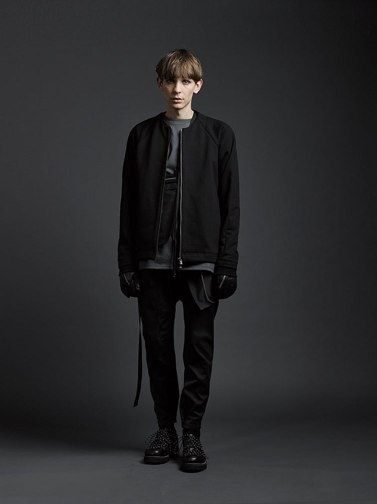 The Viridi-Anne Campaign No Collar Zip Up Jacket Black Zip Detail Textured Gloves in Black Leather Belted Slim Fit Pants AW19
