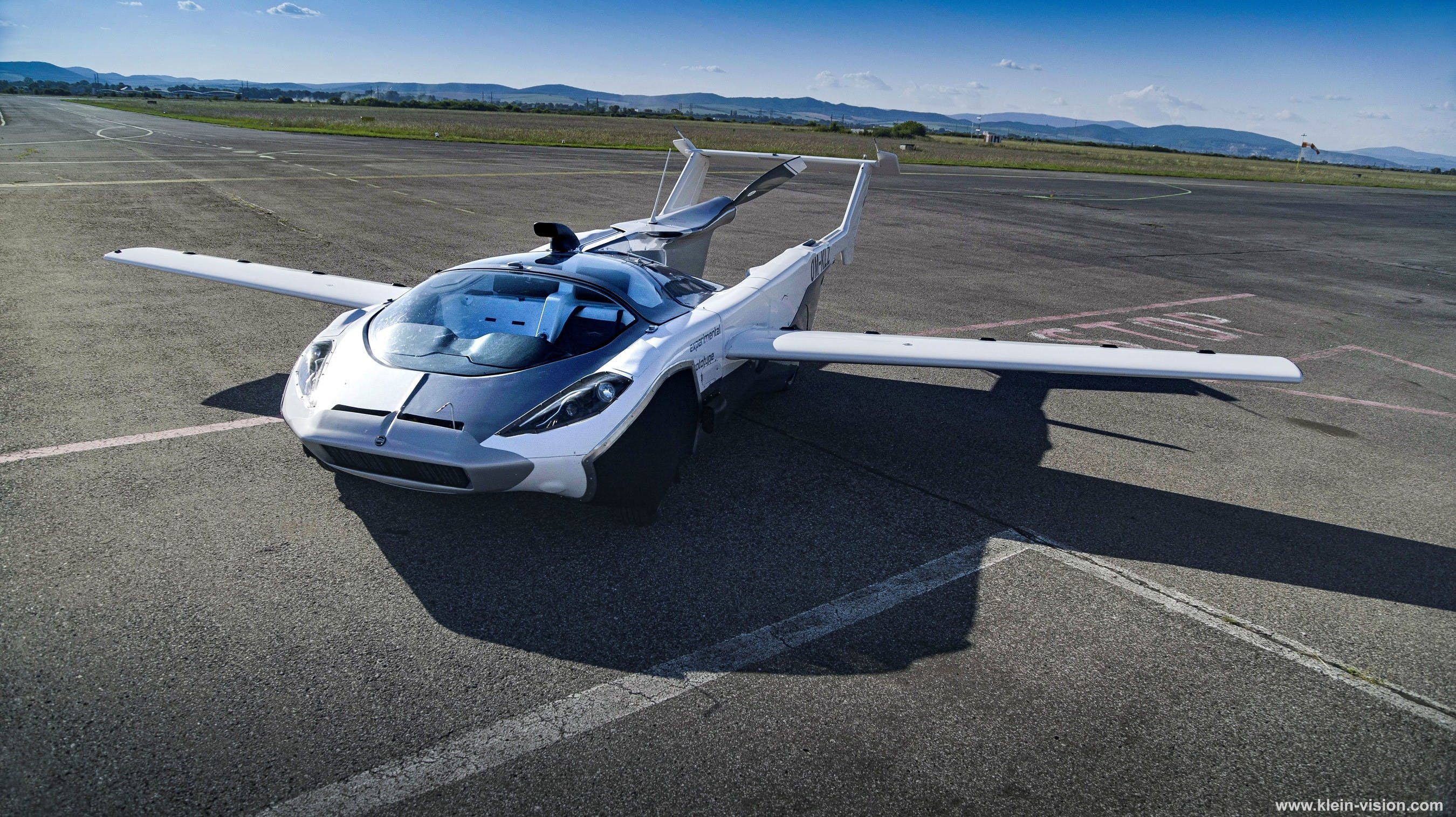 Flying Car Completes First Inter-City Trip in Slovakia