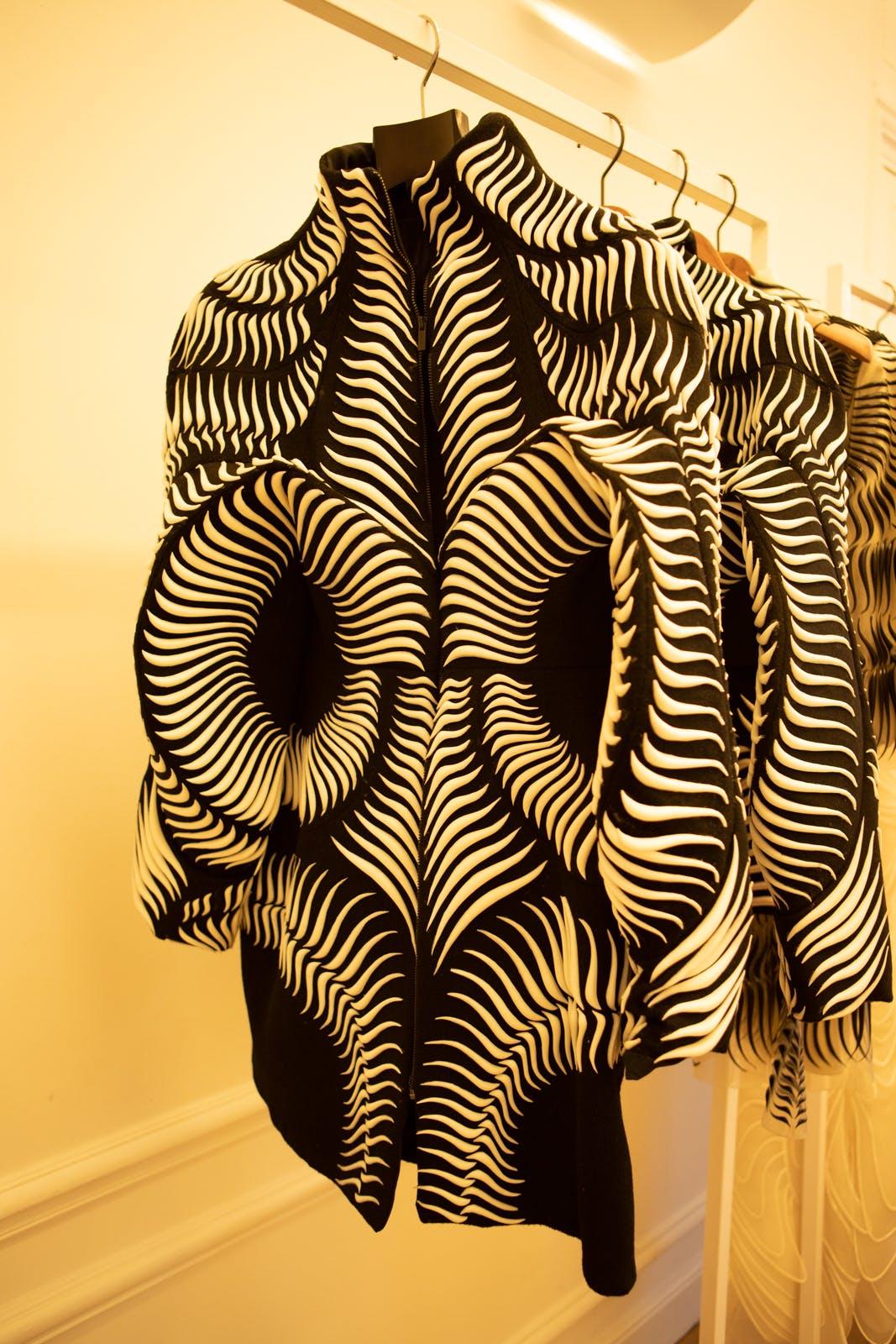 iris van herpen fw20 black and white jacket couture