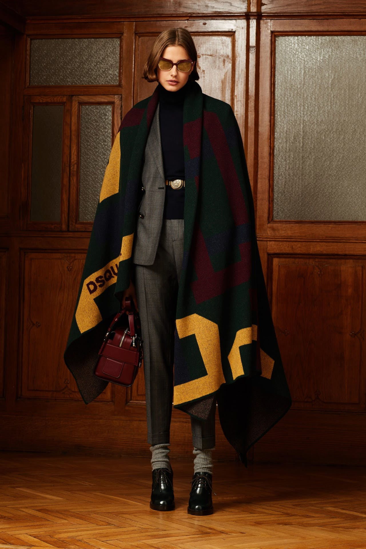 dsquared2 pre fall milan fashion runway backstage pre order showroom trunk show womenswear suit